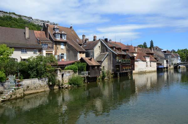Volontari in Francia a contatto con la natura